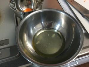 パラパラ炒飯にするための卵白